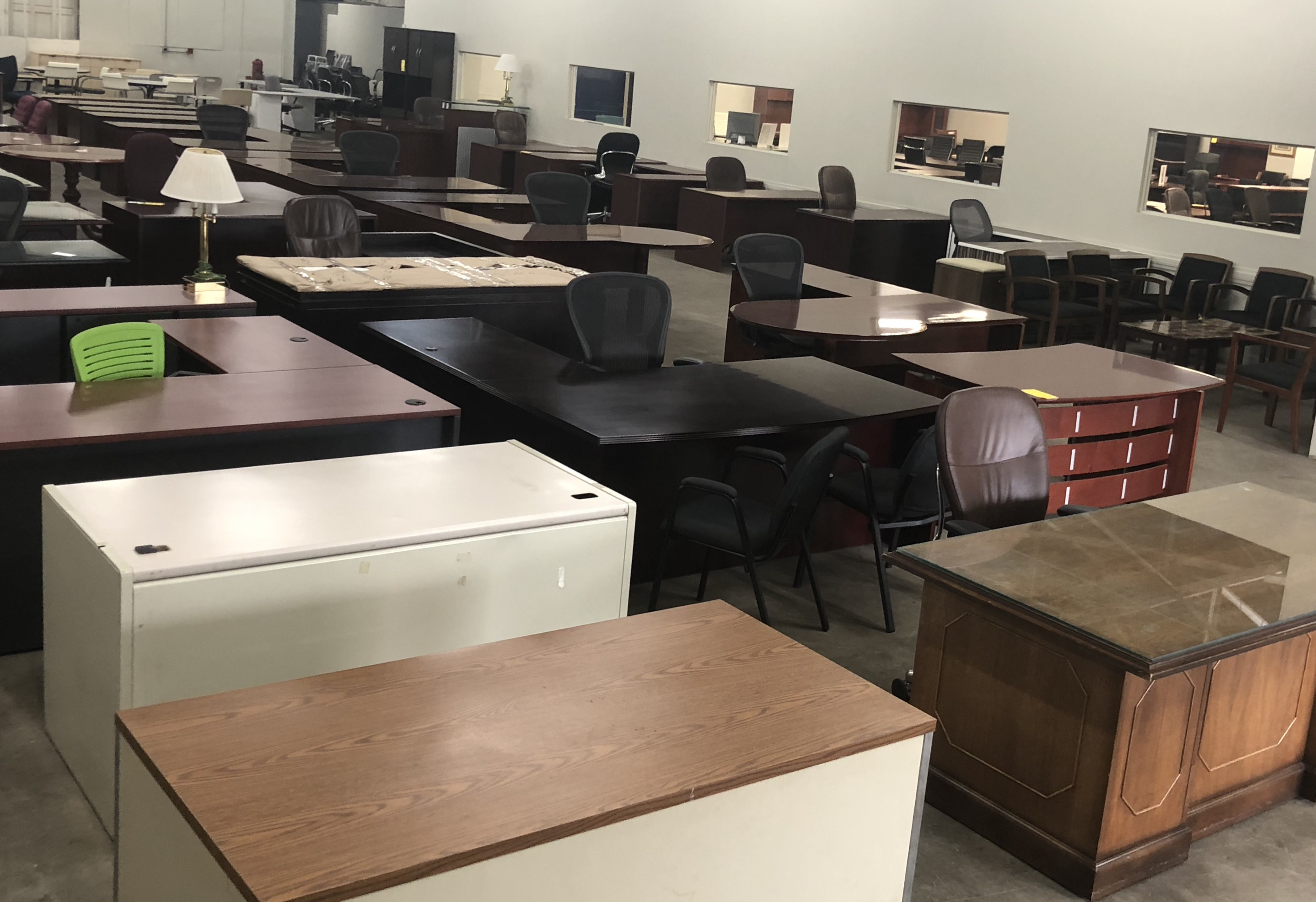 pre owned showroom warehouse united office furniture rh unitedofficefurniture com united furniture office chair united office furniture ct